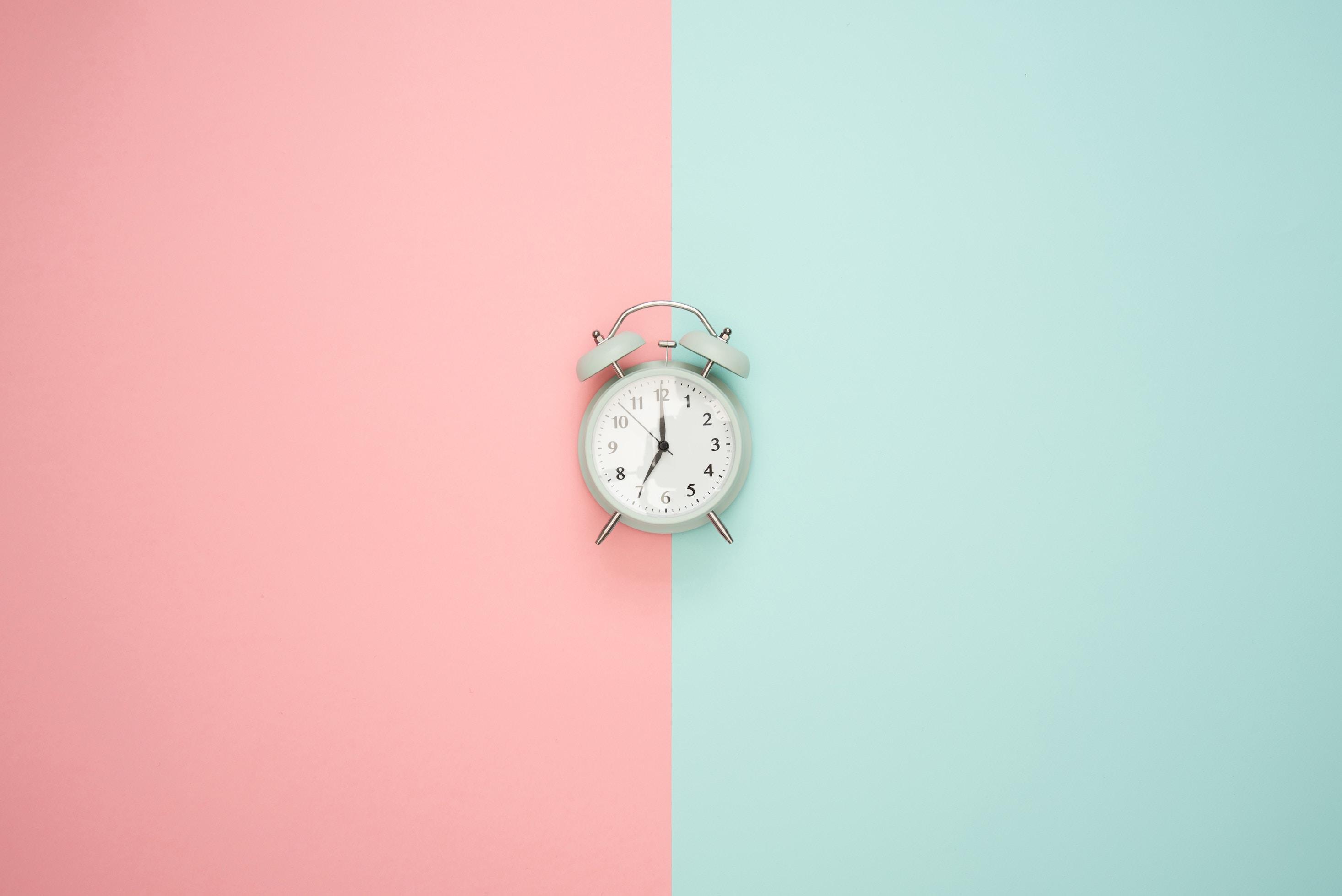perder tiempo en las redes sociales